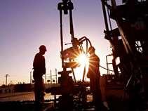 Οριακά κέρδη για αργό και βενζίνη - Τις εργασίες στον αγωγό της Colonial Pipeline παρακολουθούν οι επενδυτές