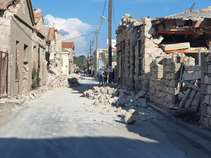 Σεισμός 6,7 Ρίχτερ: Νεκρά δύο παιδιά που καταπλακώθηκαν από τοίχο στο Βαθύ της Σάμου