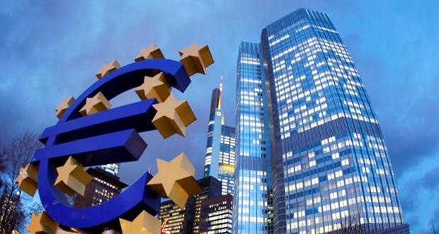 """Ο """"άγνωστος πόλεμος"""" στο εσωτερικό της ΕΚΤ για το QE"""