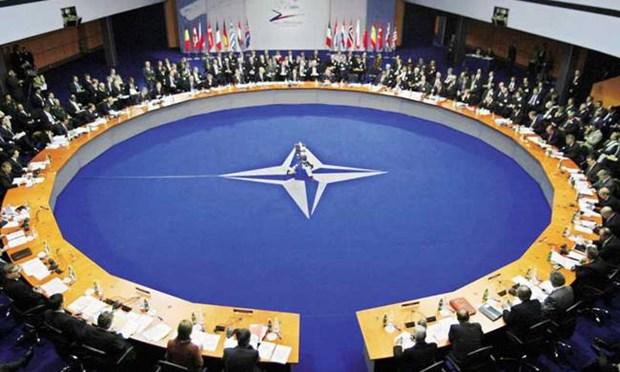 Σύμβουλος Τραμπ: Πρέπει να σκεφθούμε πώς θα αλλάξουμε τη συνθήκη του ΝΑΤΟ