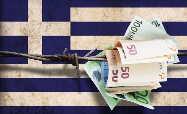 """Σχέδιο κατάργησης φοροαπαλλαγών για μικρότερο """"τσεκούρι"""" στις συντάξεις"""