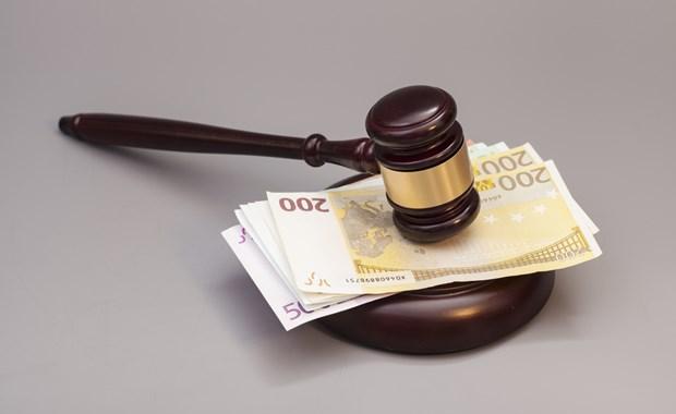 Το ΣτΕ διατάσσει την άμεση επαναφορά των αποδοχών των ενστόλων στα επίπεδα του 2012