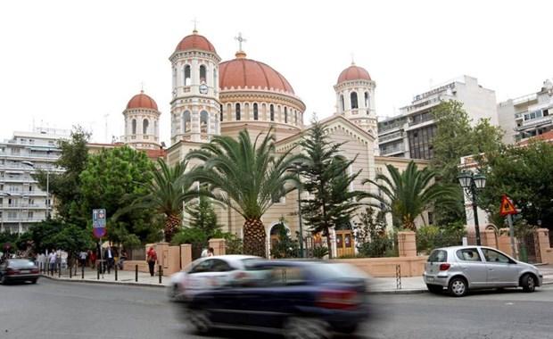 Αντιεξουσιαστές εισέβαλαν στη Μητρόπολη Θεσσαλονίκης