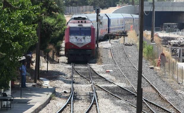 Καταρρέει ο σιδηρόδρομος... αναμένοντας τους Ιταλούς