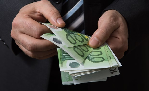 Στα 162 δισ. οι εισροές κεφαλαίων από την ΕΕ