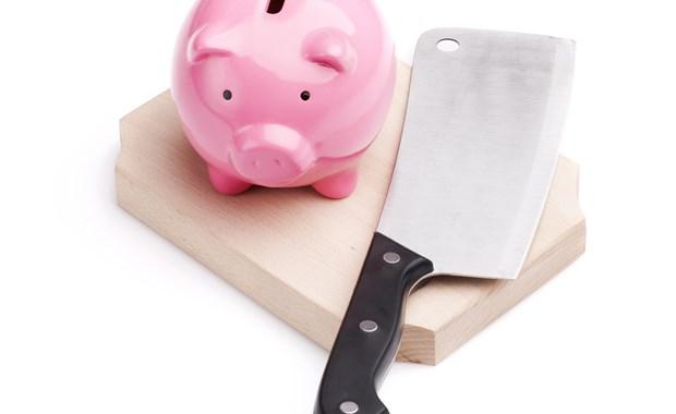 """""""Μαχαίρι"""" από τέσσερις πλευρές σε 600.000 συνταξιούχους του Δημοσίου"""