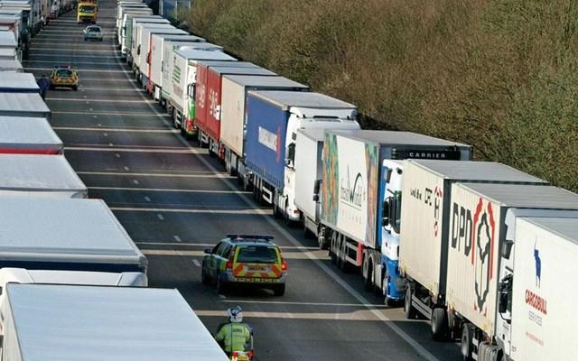 Βρετανία: Μποτιλιάρισμα στα σύνορα αν δεν υπάρξει συμφωνία για το Brexit βλέπει η κυβέρνηση