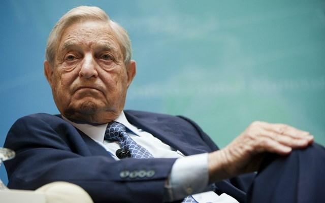Ο George Soros υποκινεί τις διαδηλώσεις στις ΗΠΑ , λένε Αμερικανοί ακροδεξιοί συνωμοσιολόγοι