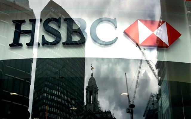 HSBC: Ουδέτερη στάση για τις ελληνικές μετοχές, ευάλωτες οι τράπεζες – Στο 8,2% η ύφεση της Ελλάδας φέτος