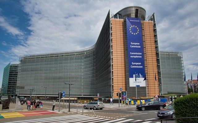 Βελτίωση της ψηφιακής παροχής δημοσίων υπηρεσιών στην Ευρώπη δείχνει έκθεση της Κομισιόν
