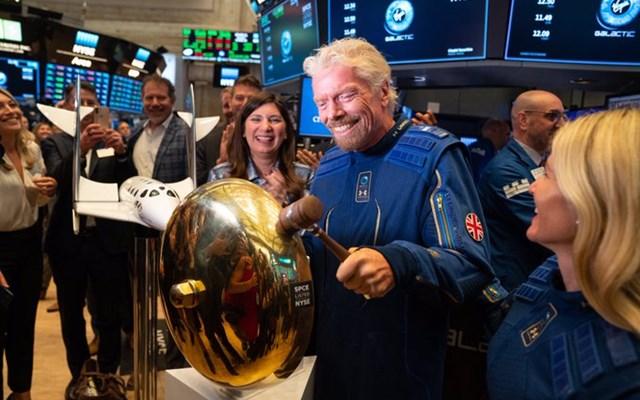 Βυθίζεται 18% για τη μετοχή της Virgin Galactic του Richard Branson