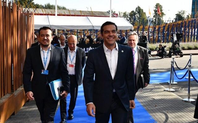 Η… αφωνία Τσίπρα-Παππά και τα αμείλικτα ερωτήματα που θέτει η κυβέρνηση για την καταιγίδα των αποκαλύψεων