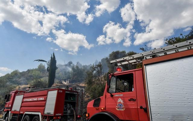 Ηράκλειο: Πυρκαγιά σε επιχείρηση αρτοσκευασμάτων στον Δήμο Μαλεβιζίου