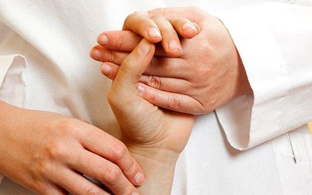 COVID-19: Οι ρευματοπαθείς δεν ανήκουν στις ευπαθείς ομάδες