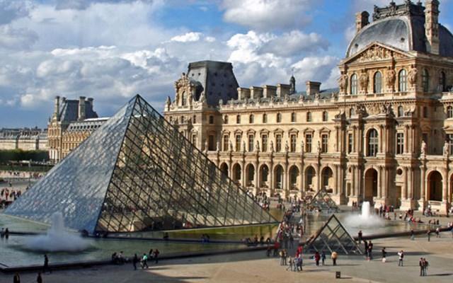 Γαλλία: Ανοίγει την Δευτέρα το μουσείο του Λούβρου