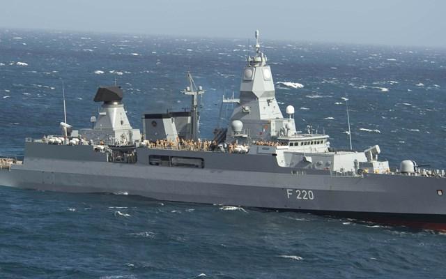 Αποπλέει αύριο το πρωί η γερμανική φρεγάτα Hamburg για να ηγηθεί της αποστολής Ειρήνη στη Λιβύη