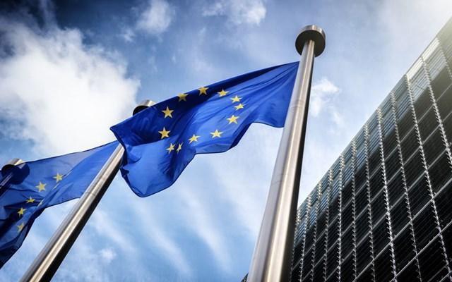 Κομισιόν: Βλέπει μικρότερη ύφεση τελικά στην Ελλάδα - Μεγαλύτεροι οι τριγμοί στην Ευρωζώνη
