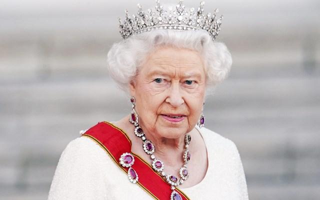 Βασίλισσα Ελισάβετ: Το Ηνωμένο Βασίλειο θα κερδίσει τη μάχη με τον κορονοϊό