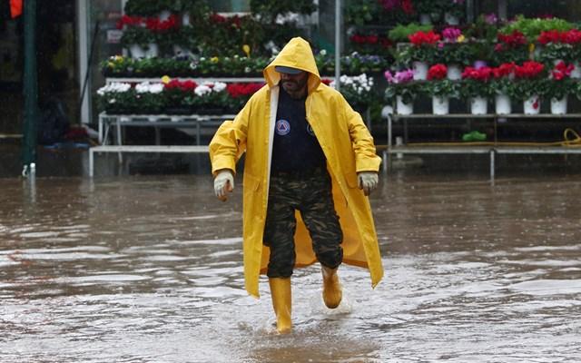 Βροχόπτωση στη Θεσσαλονίκη και στη Χαλκιδική
