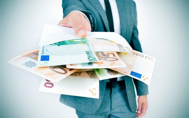 Μειωμένα κατά 955 εκατ. ευρώ τα έσοδα Ιουνίου