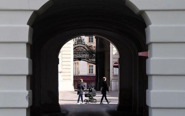 Πώς αίρει κανείς μια εθνική καραντίνα; Ρωτήστε την Αυστρία