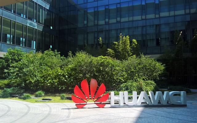 Βρετανία: Εκτός των δικτύων 5G η Huawei