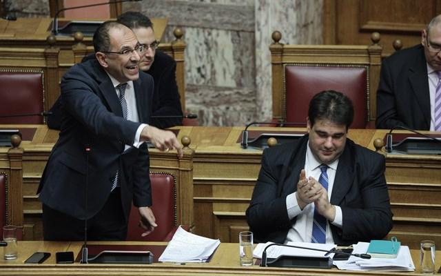 Καυγάς Γεραπετρίτη- Τζανακόπουλου στη Βουλή για την απλή αναλογική