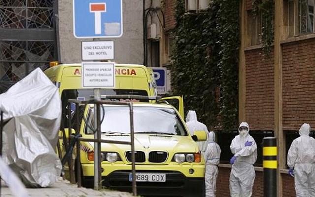 Ισπανία: Εκ νέου σε καραντίνα κάτοικοι περιοχής της Καταλονίας στα σπίτια τους