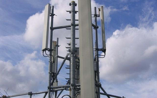 Πιο κοντά ένα deal για τους σταθμούς βάσης των Vodafone και Wind