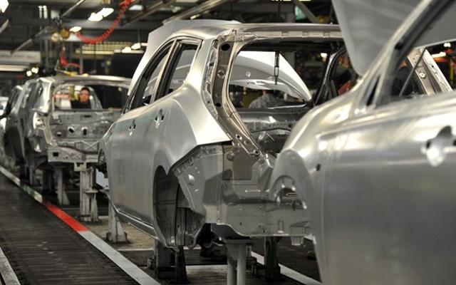 Περισσότερες περικοπές θέσεων εργασίας στην αυτοκινητοβιομηχανία λόγω πανδημίας