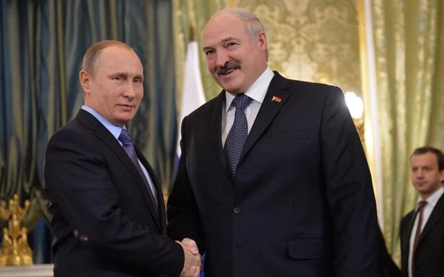Λευκορωσία: Τηλεφωνική επικοινωνία των προέδρων Λουκασένκο-Πούτιν