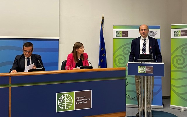 Ρήτρα κλιματικής αλλαγής σε όλα τα νομοσχέδια προανήγγειλε ο Κ. Χατζηδάκης