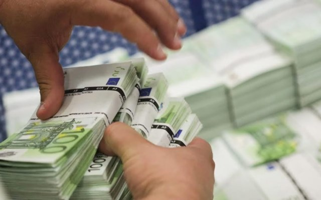 Όλο το χρονοδιάγραμμα για την καταβολή των 800 ευρώ σε υπό αναστολή εργαζομένων – Ξεκινούν 14 Απριλίου