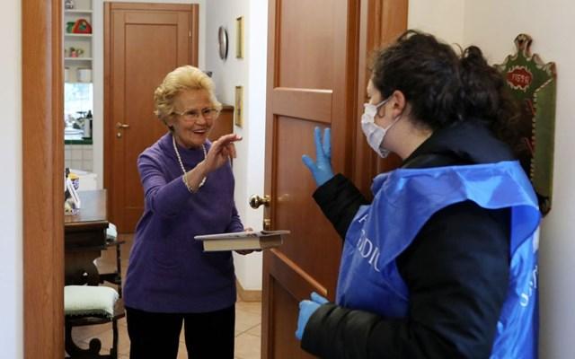 Πόσο δημοκρατικό είναι ένα πιθανό lockdown για τους άνω των 65