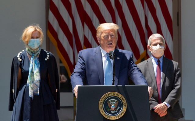 O Τραμπ καταγγέλλει το μίσος και την κακοήθεια των ΜΜΕ