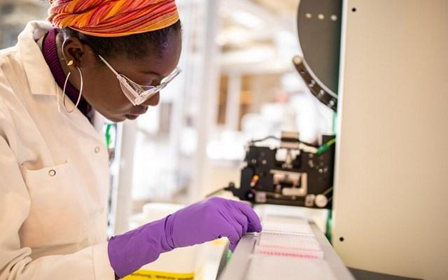 ΝΥΤ: Κίνδυνος οριστικής διακοπής της κλινικής δοκιμής του εμβολίου της AstraZeneca