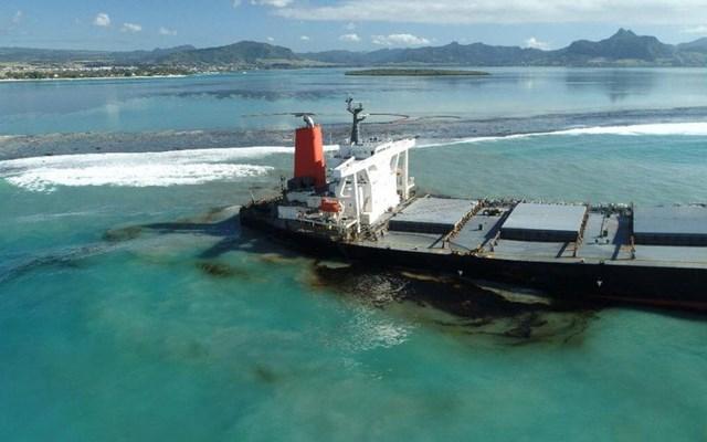 Μαυρίκιος: Μεταβαίνει ομάδα Ιαπώνων ειδικών για να αποτιμήσει το μέγεθος της καταστροφής από τη διαρροή πετρελαίου στη θάλασσα