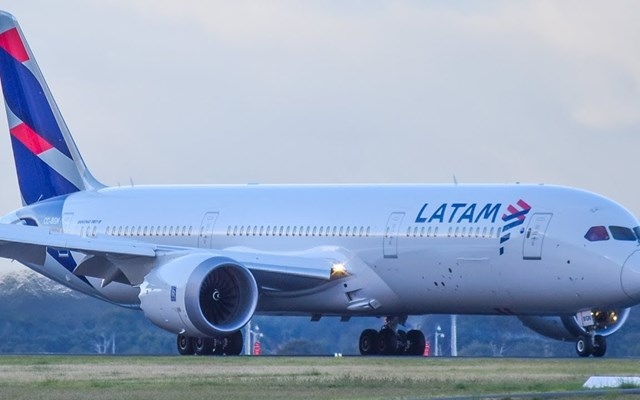 Κατρακύλα για τις μετοχές της LATAM Airlines μετά το αίτημα πτώχευσης