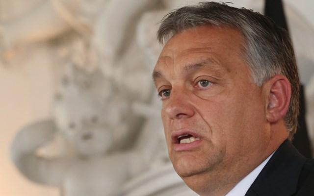 Ο Orban καταστρέφει την ουγγρική δημοκρατία με πρόσχημα τον κορονοϊό