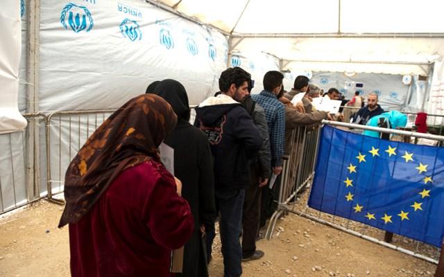 ΣΥΡΙΖΑ σε Κομισιόν: Εγγυηθείτε την τήρηση της ευρωτουρκικής συμφωνίας για το Προσφυγικό