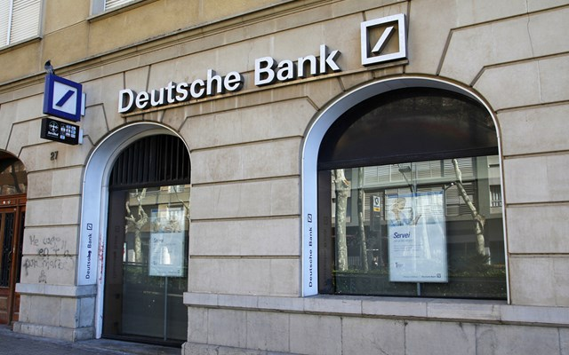 Πρόστιμο 150 εκατ. δολ. στην Deutsche Bank για δοσοληψίες με τον Επστάιν