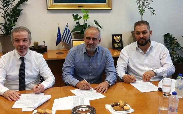 Υπεγράφη η σύμβαση παραχώρησης λειτουργίας υδατοδρομίου στο Λιμένα Πατρών