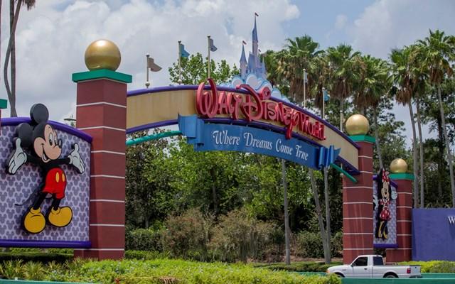 ΗΠΑ: Υποχρεωτική χρήση μάσκας και ο Μίκυ σε απόσταση, καθώς ανοίγει ξανά το Walt Disney World