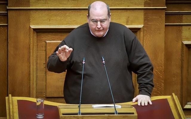 Τηλεδιάσκεψη με Τσιόδρα στην Επιτροπή Μορφωτικών Υποθέσεων της Βουλής ζητά ο Ν. Φίλης
