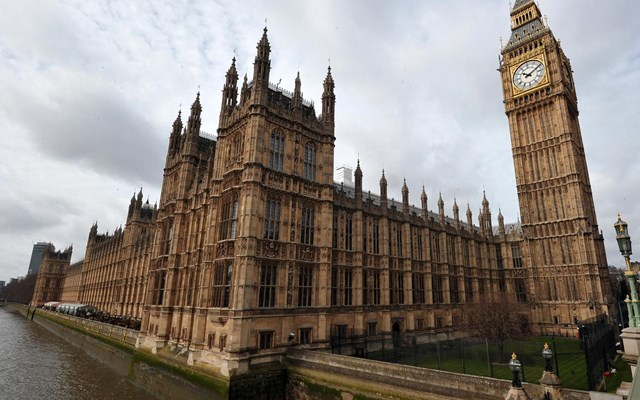 Βρετανία: Θα ξαναρχίσουν οι πωλήσεις όπλων στη Σαουδική Αραβία