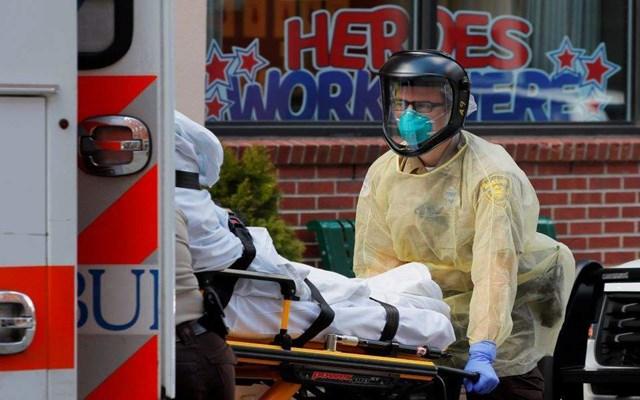 ΗΠΑ: Η ομάδα δράσης του Λευκού Οίκου κάνει λόγο για αδυσώπητη εξάπλωση της covid-19