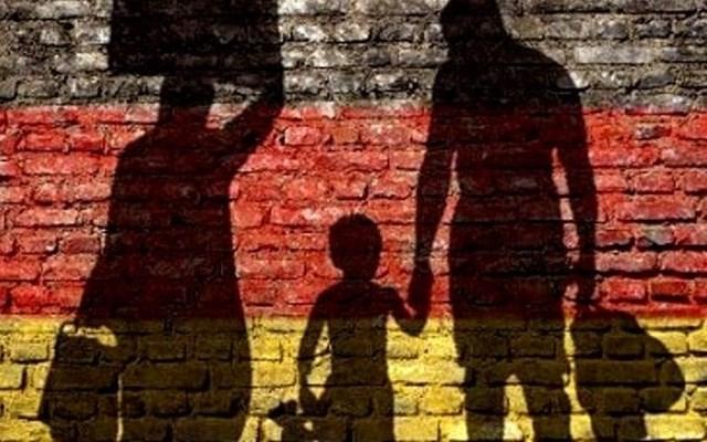 Γερμανία: Η αστυνομία πραγματοποιεί έρευνες για παράνομη εισαγωγή μεταναστών στη χώρα
