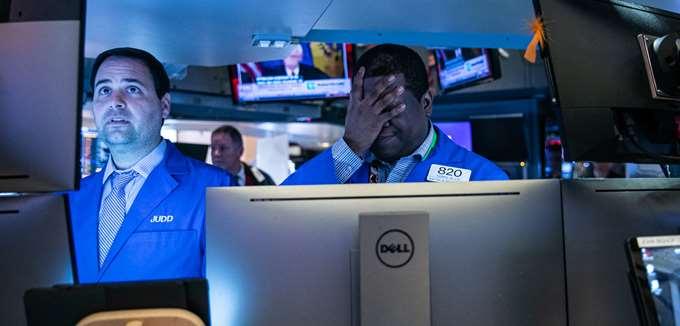 """Ο κοροναϊός """"εξαφανίζει"""" 5 τρισ. δολ. από τις αγορές μετοχών, καθώς εξαπλώνεται σε νέες χώρες"""