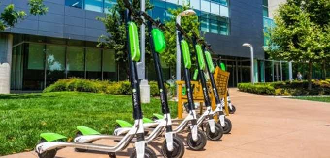Πρόβλημα στο λογισμικό των ηλεκτρικών σκούτερ της Lime προκάλεσε τραυματισμούς