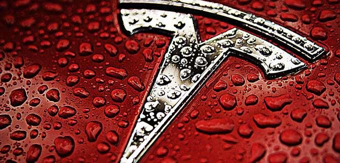 Η επίσημη και η ανεπίσημη εξήγηση για τις απολύσεις της Tesla